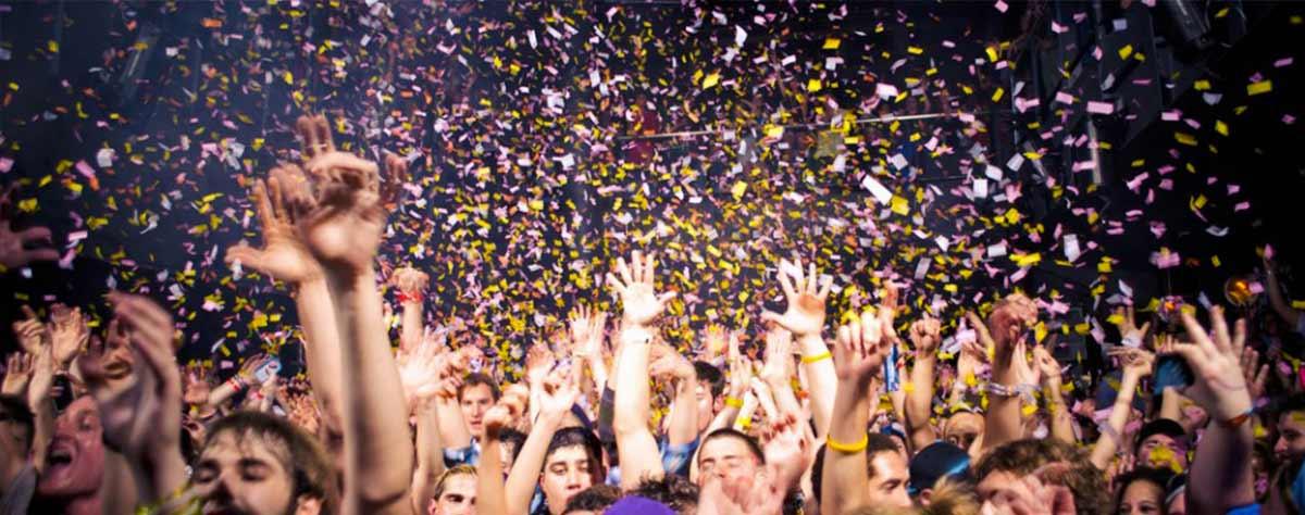 folla che balla